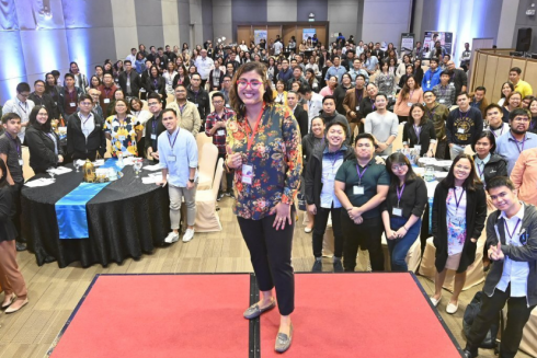 Munmun Nath, Co-General Manager at Moneymax, spoke at a digital marketing event in Manila in 2019.